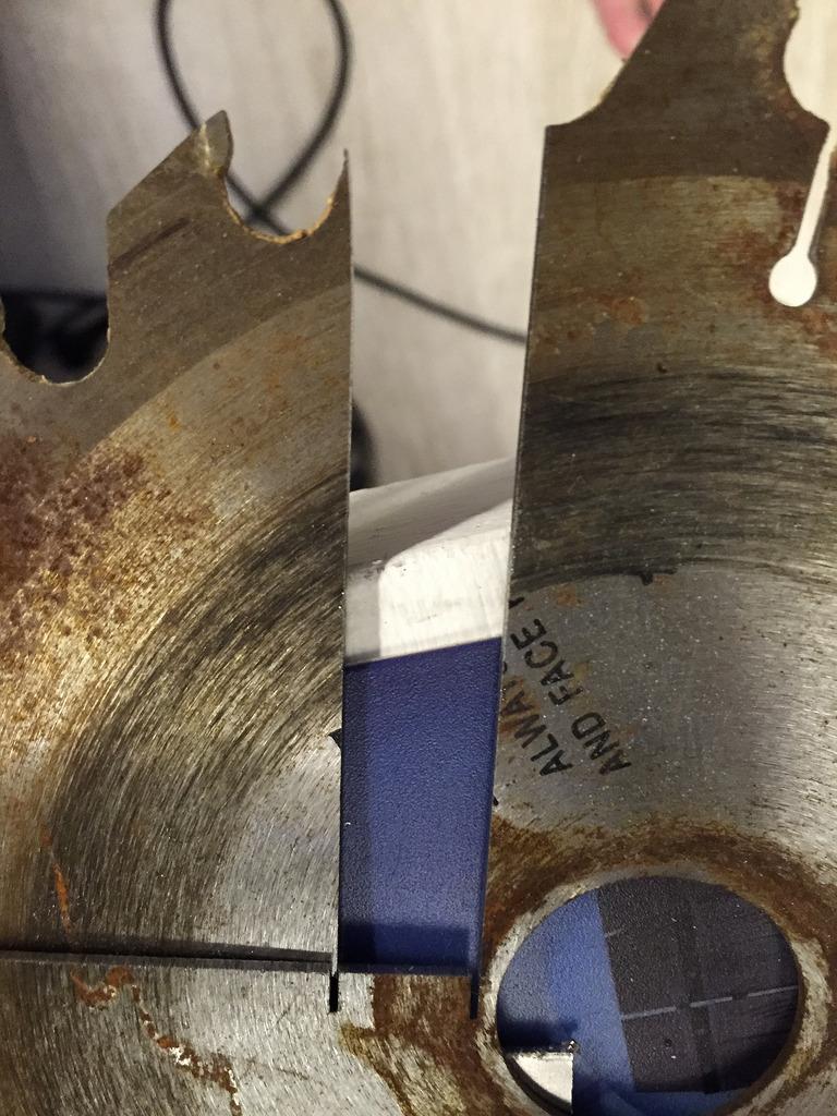Самодельный отрезной резец из дисковой пилы