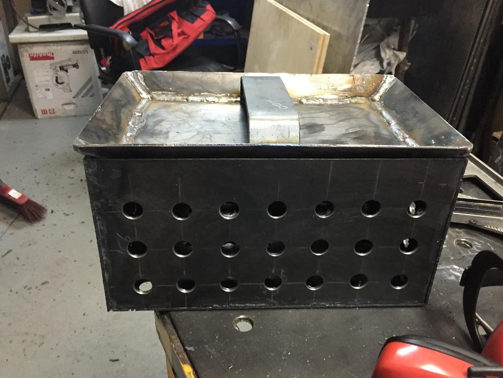 Ящик для угля в мангал